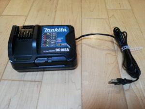 マキタ コードレス掃除機 CL108FDSHWの充電器